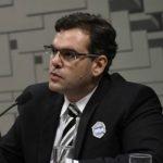 Debate sobre energia solar sofre com escuridão intelectual, critica Rodrigo Pinto