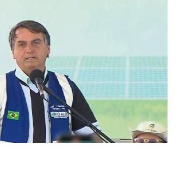 Bolsonaro diz que enquanto for presidente não vai permitir taxação da energia solar